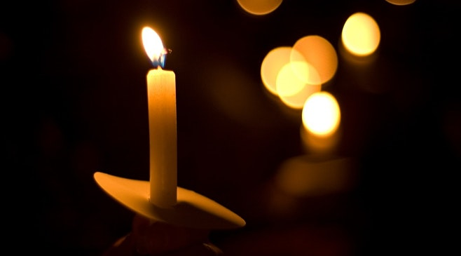 christmas eve candlelight church service in covid19 pandemic safety