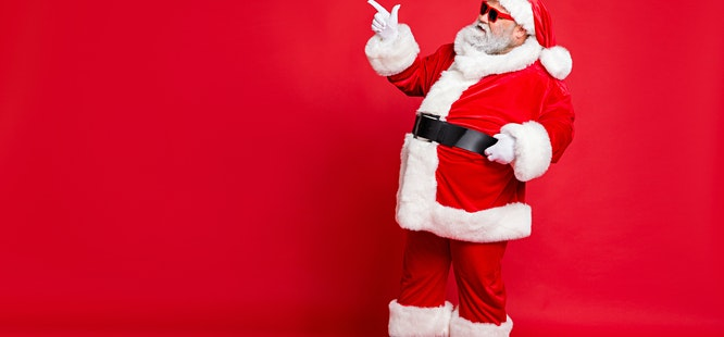 santa celebrates christmas and is immune to covid19 in 2020